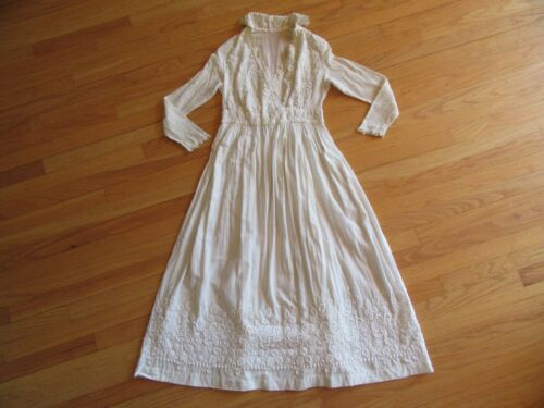 9Q/ANTIQUE/OLD VICTORIAN WEDDING DRESS/LACE/HIGH COLLAR/STAINED/EMBROIDERED!