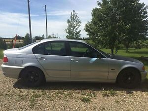 Looking to sell or trade my 2000 bmw