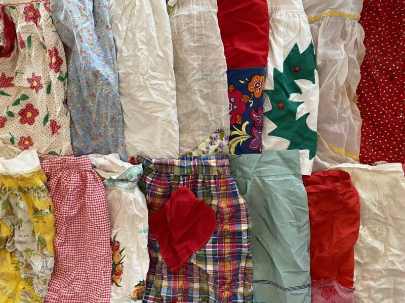 Lot Of 20 Vintage Cutter Aprons - 0306219