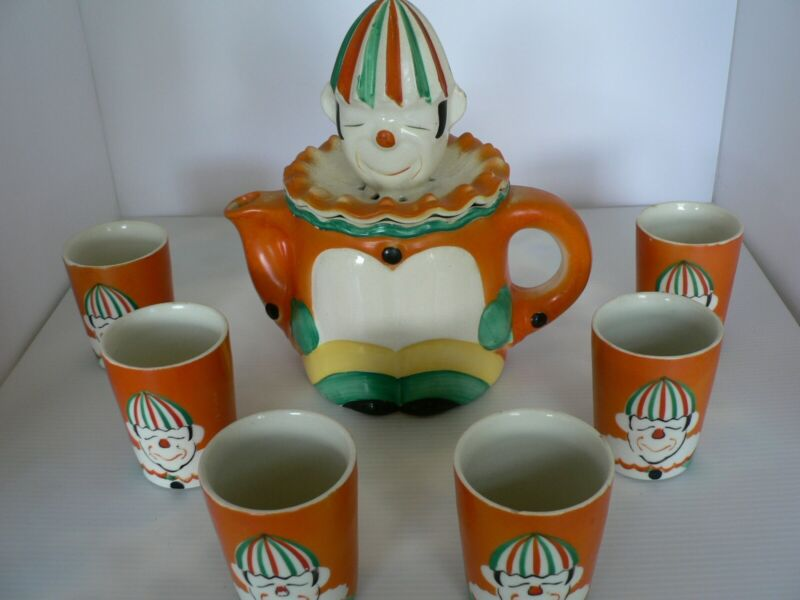 ANTIQUE TAKITO CO. CLOWN JUICER/TEAPOT WITH SIX CUPS, MADE IN JAPAN