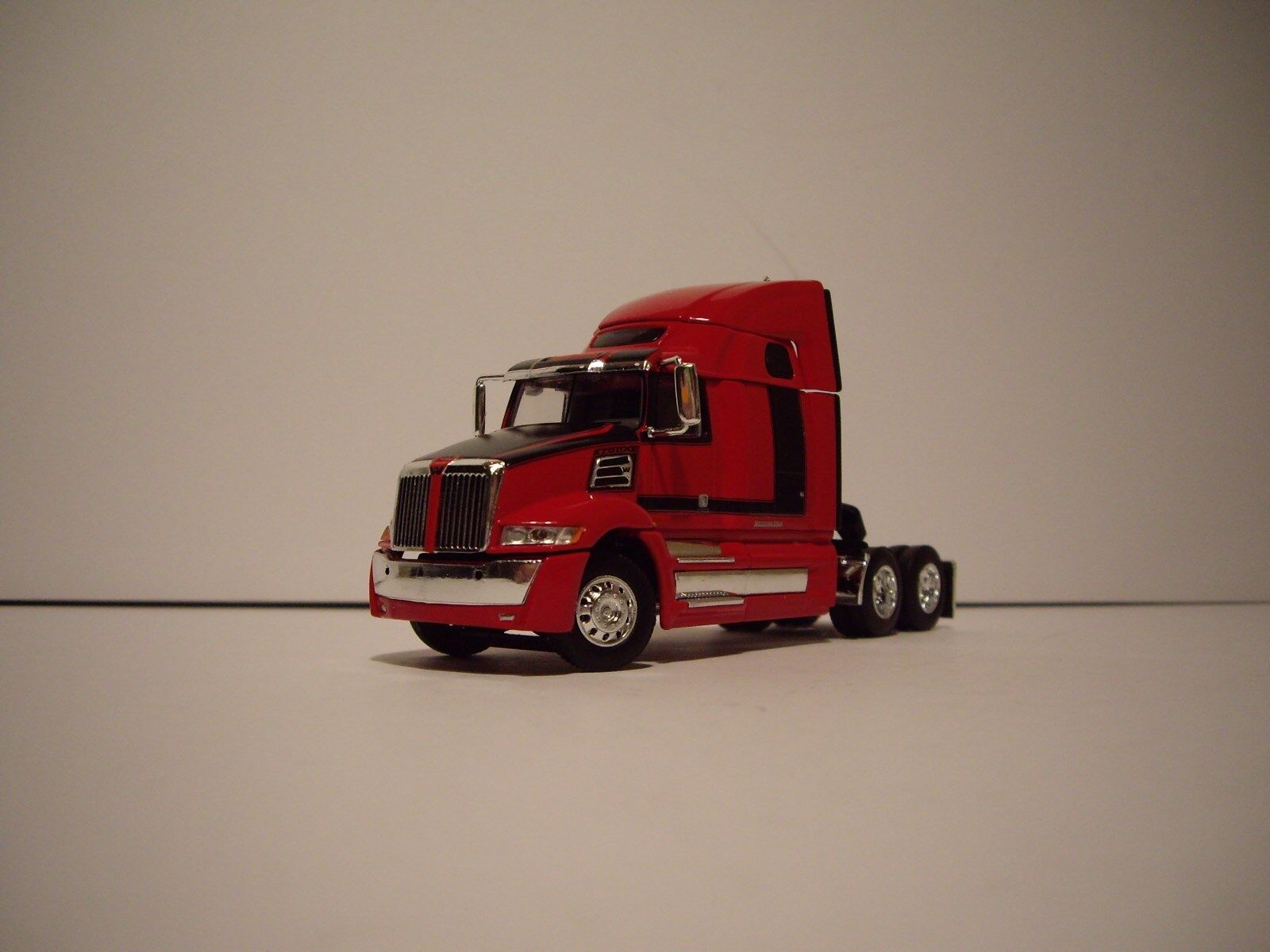 DCP 1/64 RED AND BLACK WESTERN STAR 5700XE W/T 68'' SLEEPER AND DRY VAN TRAILER 2