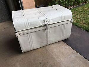 Collectable White Tin trunk Kialla Shepparton City Preview