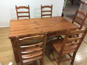 solid wooden Dinning table(including 6 solid wooden chairs) Endeavour Hills Casey Area Preview