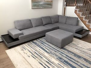 Modern Sectional Sofa - great condition!