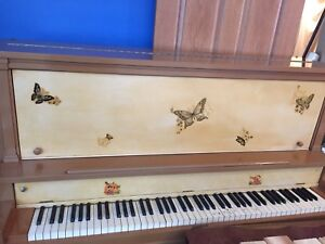 Mozart piano company 300 or best offer!!!!