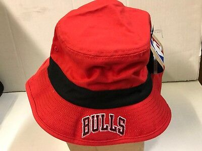 CHICAGO BULLS ADIDAS NBA RED BUCKET HAT WITH BLACK BAND MEN'S SIZE LARGE /XL