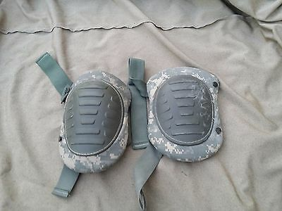 Knee Pads Military Army Issue Digital Camo USED