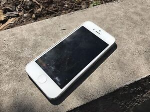Apple iPhone 5 32GB Rogers | Chatr Pristine Condition