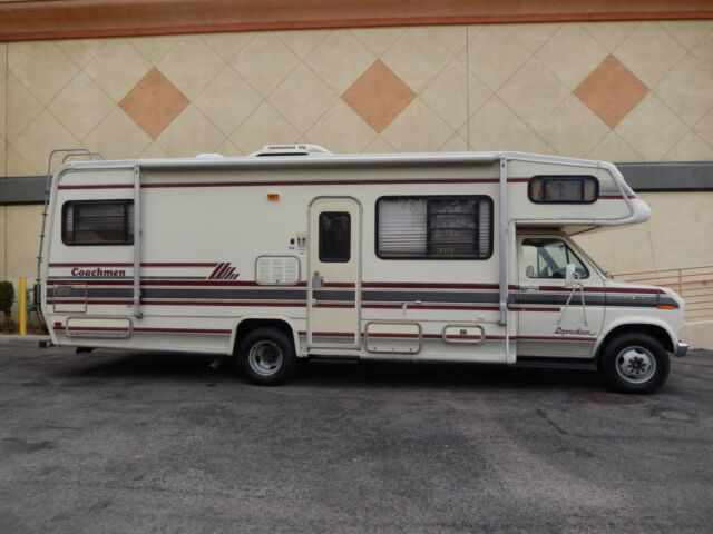 Ford : Other CLASS C FORD E350 COACHMEN CLASS C WITH 23000 MILES VERY VERY CLEAN ALL BOOKS GENERATOR