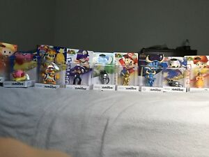 Assorted amiibo's in box