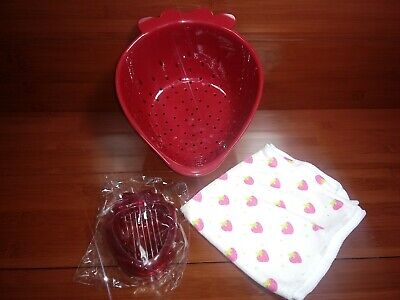 New Strawberry Shaped Colander w/ Strawberry Slicer And Kitchen Towel