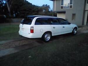 Holden Commodore vt wagon wrecking whole car Redland Bay Redland Area Preview