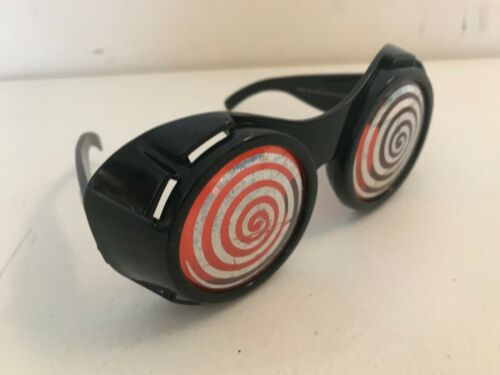 PLASTIC SPIRAL RED DR PEEPERS XRAY GLASSES PREMIUM PROMO TOY