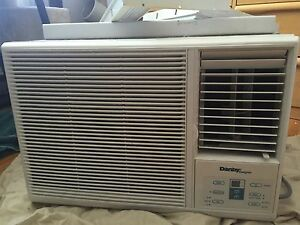 Used Danby 9000 BTU Window Air Conditioner - $100 (Griffintown)