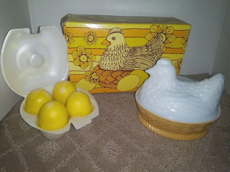 AVON NESTING HEN SOAP DISH & 4 FRAGRANCED SOAPS IN BOX VINTAGE 1973🐣