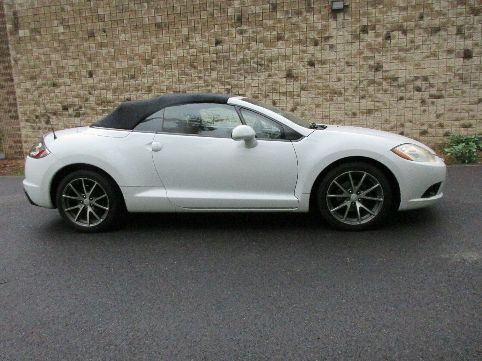 Eclipse SPYDER GS SportWHITE ON BLACK Convertible LEATHER HEATED SEATS GREAT!