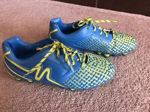 New soccer cleats size 3Y