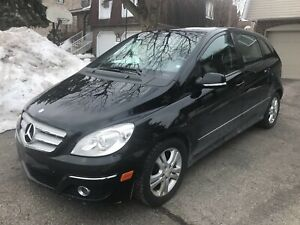 2009 Mercedes B200...auto-equippee-toit pano