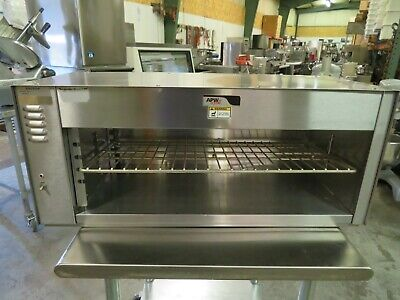 Apw Wyott Cmc-36 36 12 Wall Mounted Cheese Melter Wss Bottom Cove - 208v