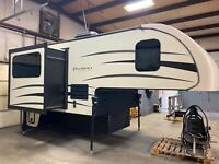 2016 Palomino HS 2902 Backpack Edition Truck Camper