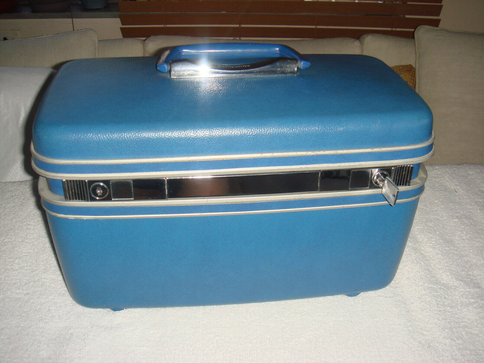 Samsonite Silhouette Vintage Cosmetic Train Case Blue With Tray And KEY - $19.99