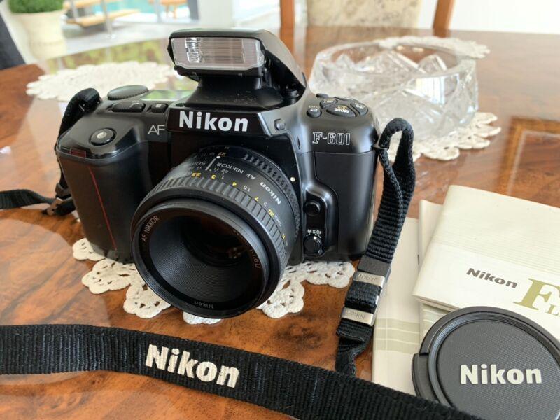 Pacsafe Camera Strap Digital SLR Nikon AF Nikkor 50 mm f1.8