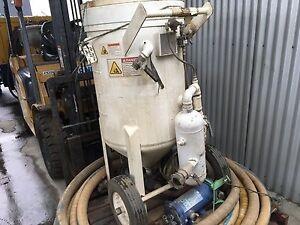 SANDBLASTING MACHINE FOR PUBLIC AUCTION. Derwent Park Glenorchy Area Preview