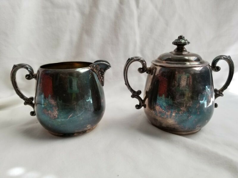 WM Rogers Silver Sugar and Creamer Set - Spring Flower - Vintage Classy Fun!