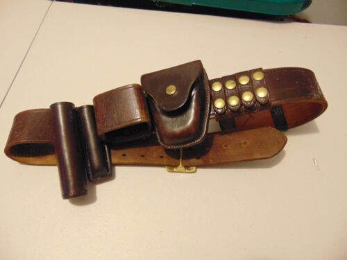 TEX SHOEMAKER & SONS Wide Leather Service Belt with 8 Attachments