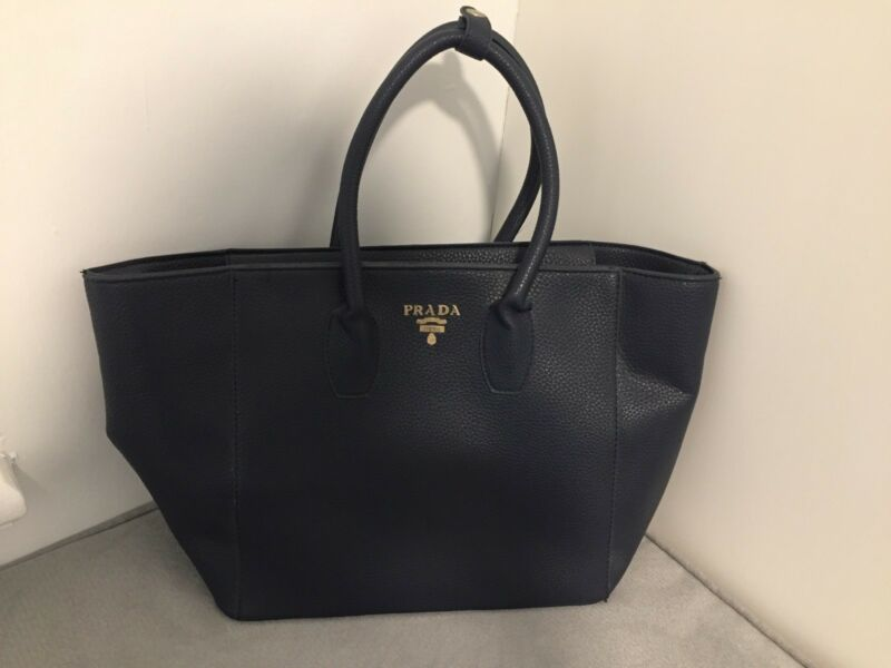 542eb26cf8283e Large Prada tote bag | Bags | Gumtree Australia Newcastle Area ...