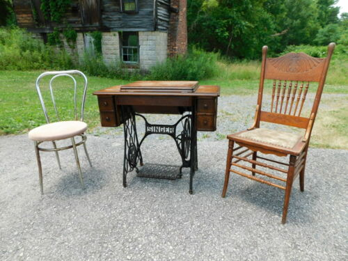 Antique 1910 Singer 28 Sphinx Treadle Sewing Machine G1722907 Oak Cabinet