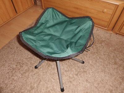Portable Hocker*Campingstuhl*Klapphocker*Angeln*Reisen*Wandern*Strand*Tragegriff (Camping Stuhl Portable)