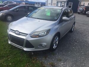 2012 FORD FOCUS FULLY LOADED!