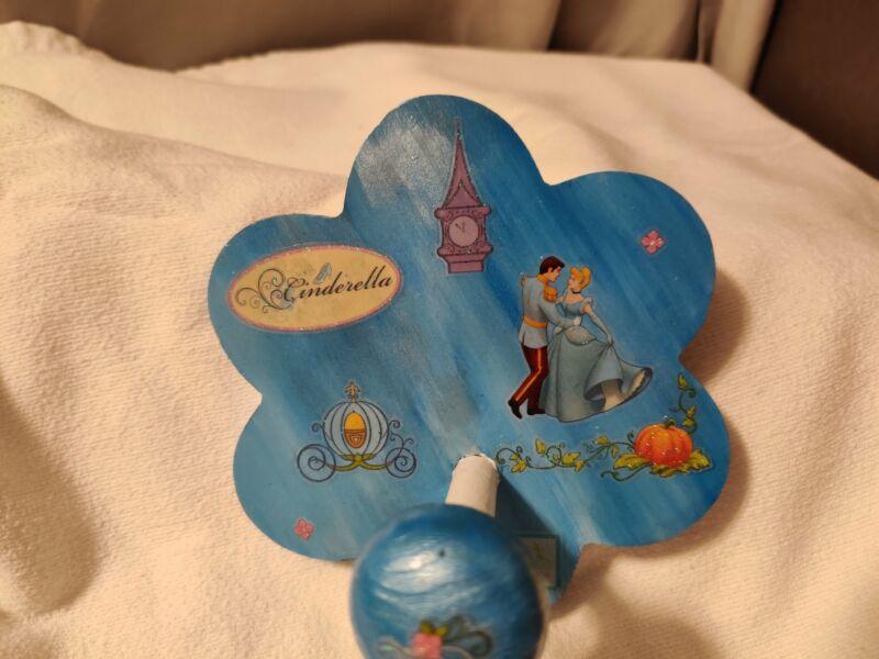 Wooden Peg Hooks - Flower - Cinderella