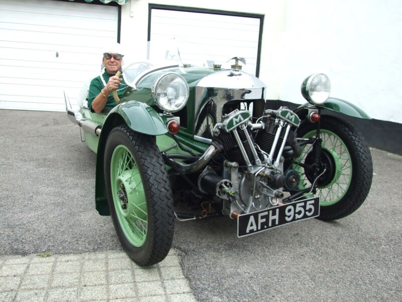 Morgan Super Sports MX2 of 1937 (two-tone green)