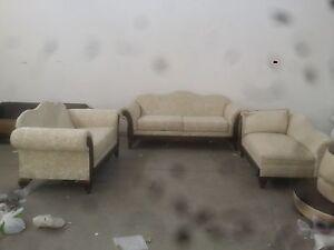 furniture shop closing sale 90%
