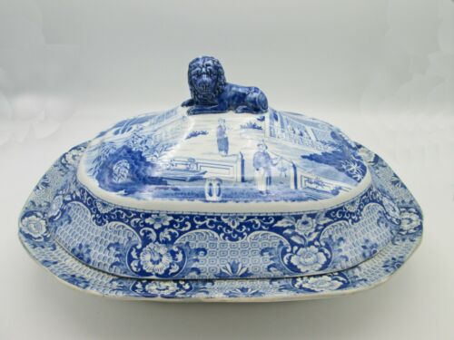 ANTIQUE STAFFORDSHIRE BLUE/WHITE POTTERY TUREEN & COVER w/ LION FINIAL, c.1810
