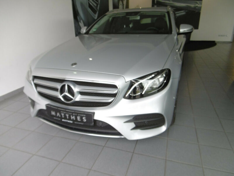 Mercedes-Benz E 400T 4M AMG - Comand LED Kamera 20""