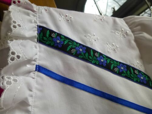 German import Eyelet Trim Square Dance Country Blouse! Super Sweet! Size 42