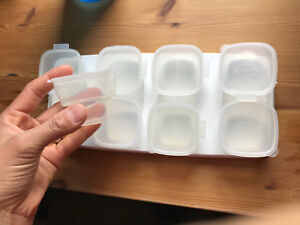 8 baby food containers with lids and tray