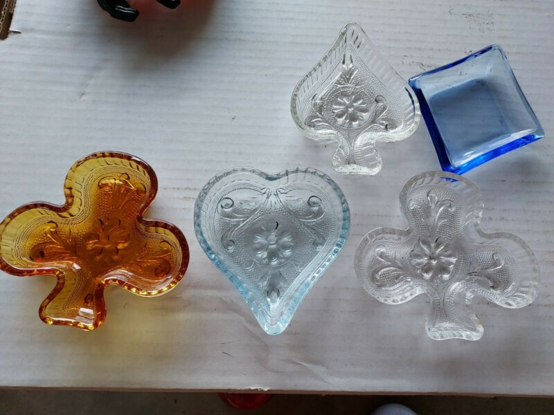 Vintage MCM Retro Nut Small Snack bowls  Playing Card Suit shapes Art Glass