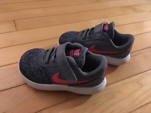 Nike flex contact toddler sneakers $25