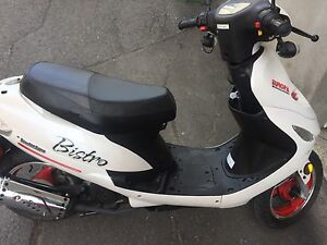 Scooter 50 cc white and red