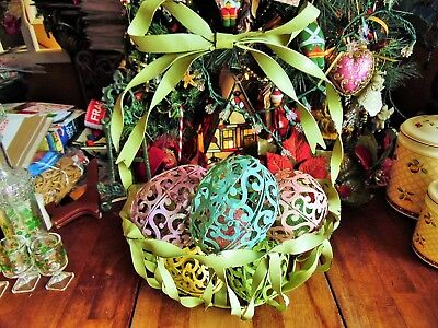 USED ART DECOR METAL EASTER BASKET WITH 5 EGGS W/CLASPS 2 EXTRA SMALL EGGS
