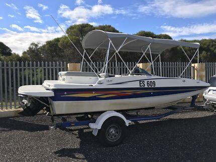 Bayliner 197 bow rider deck boat