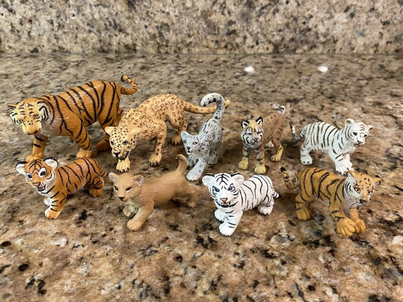 Lot of 9 Safari LTD Cats Hard Plastic PVC Tiger Leopard Lion Bobcat Snow Figure