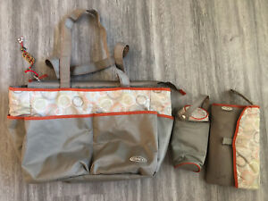 Graco diaper bag with change pad and insulated bottle bag