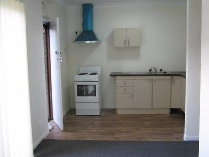 Self-contained granny flat for rent Oxley Park Penrith Area Preview