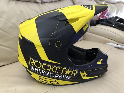 2x Fox V1 helmets MotoX - kids