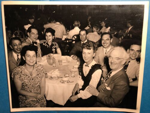 HARRY BLACKSTONE SR. ORIGINAL PHOTO WITH MAGICIANS AND SPOUSES AT BANQUET